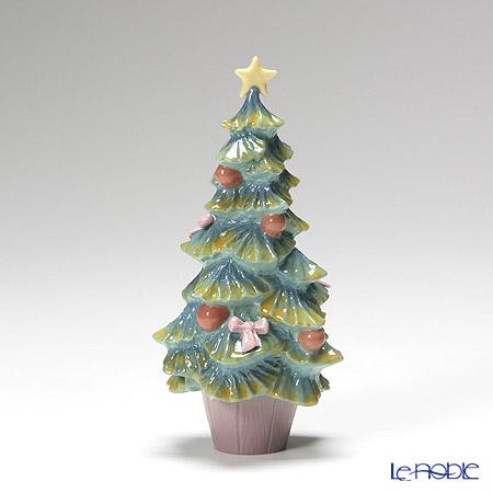 Lladro 'Christmas Tree' 06261 Figurine H15cm