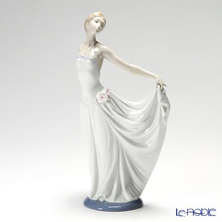 リヤドロ 踊る少女(スペシャルバージョン) 07189