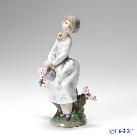 Lladro 'A Walk Through Blossoms (Cherry Blossom Flower Tree)' 08352 GIrl Figurine H19.5cm