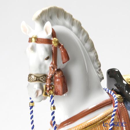 リヤドロ 希望の白馬08577
