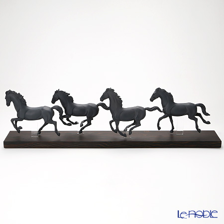 リヤドロ Galloping Herd Black 09085