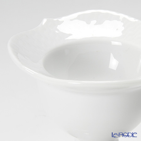 Meissen 'Waves Relief' White 000001/29179 Egg Cup H7cm