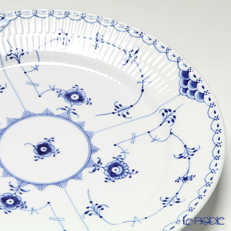 Royal Copenhagen 'Blue Fluted Half Lace' Dinner Plate 27cm 1102627