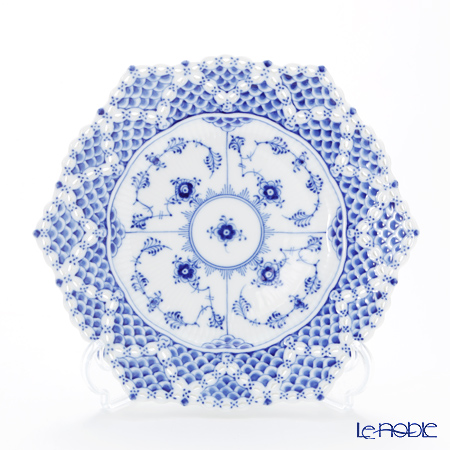 Royal Copenhagen Blue Fluted Full Lace Plate with double lace border, 21 cm 1103636