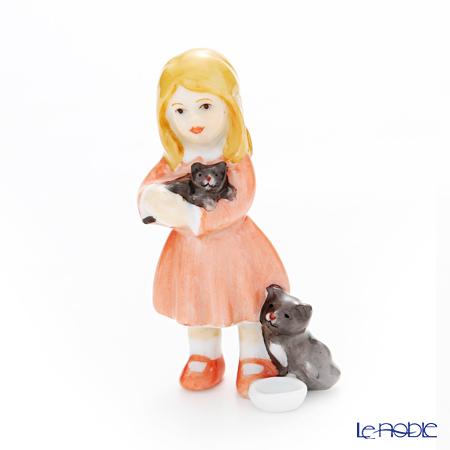 ロイヤルコペンハーゲン(Royal Copenhagen) フィギュリン 可愛い仲間 女の子と猫(立ち) 7.5cm 1249122