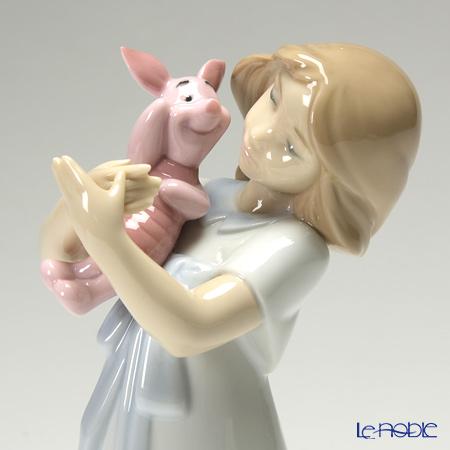 Nao 'Disney Collection - Cuddles with Piglet / Winnie the Pooh (Girl)' 02001587 Children Figurine H20cm