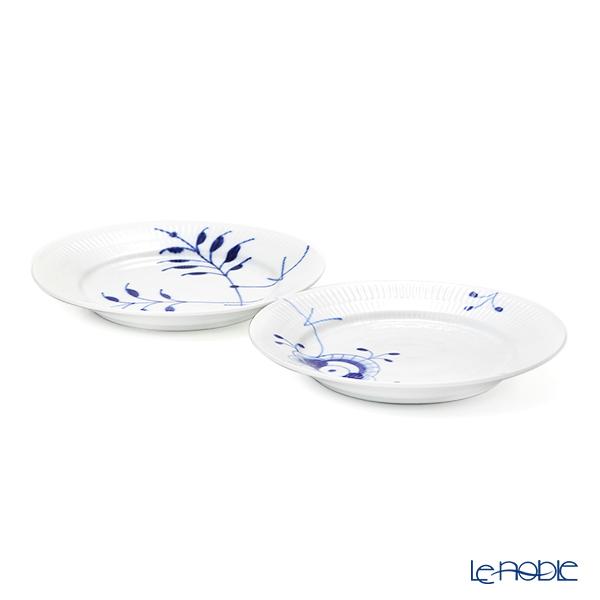 Royal Copenhagen 'Blue Fruited Mega' 2380931/1052393 Plate 19cm (set of 2 patterns)