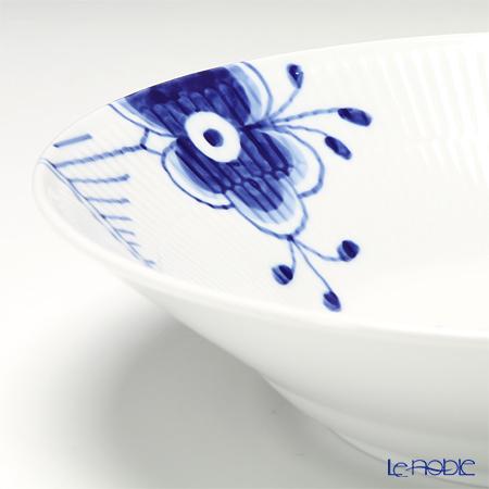 Royal Copenhagen 'Blue Fluted Mega' #2 2382606 Deep Plate 24cm