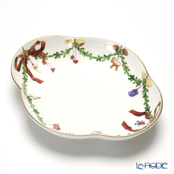 Royal Copenhagen 'Star Fluted Christmas' Oval Dish 22x18cm 2503359
