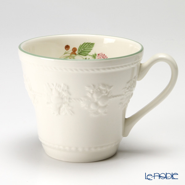 Wedgwood 'Earthenware - Festivity' Raspberry Mug 350ml