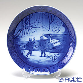 Royal Copenhagen Christmas Plate 1987 - 'Winter Birds'