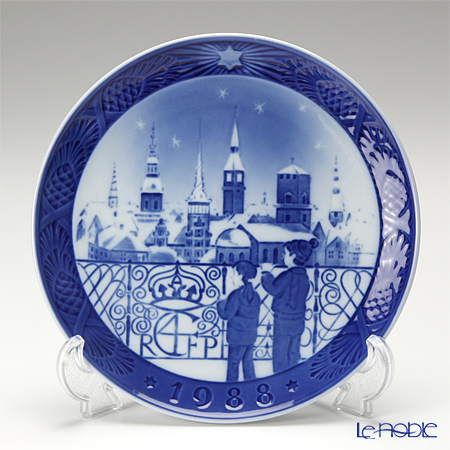Royal Copenhagen Collectibles 'Copenhagen Skyline' 1988 Christmas Plate 18cm