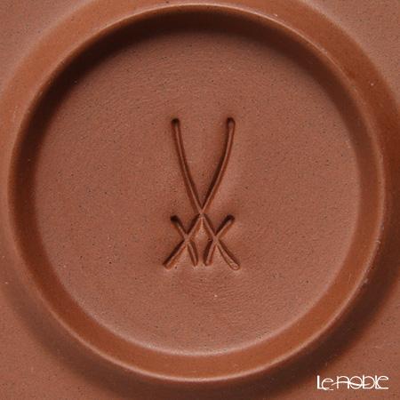 マイセン(Meissen) 歴代レリーフ 55955/85664白磁カップ&ベットガーセッ器ソーサー 1985年発表 葉環模様