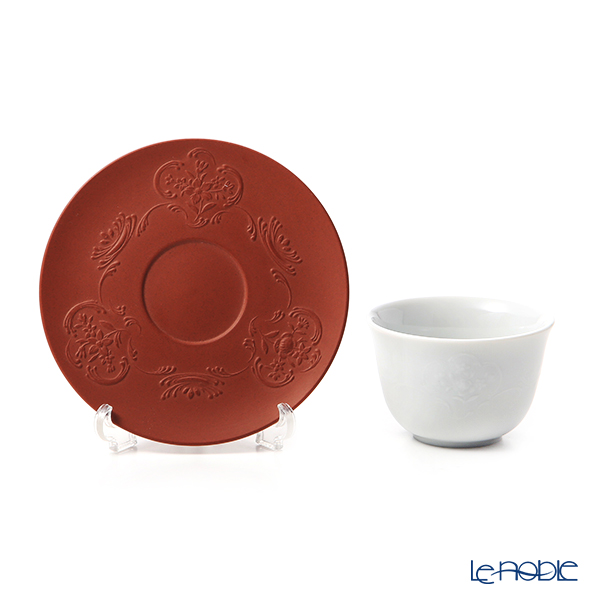 55957 / 85668 Relief successive Meissen White porcelain cup & bottger's red stone ware with saucer 1987, a presentation on Rococo