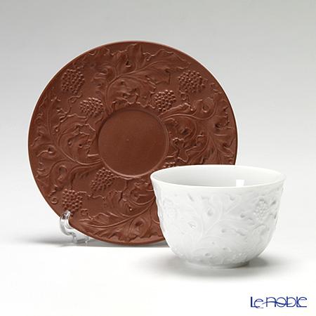 マイセン(Meissen) 歴代レリーフ 55959/85672白磁カップ&ベットガーセッ器ソーサー 1989年発表 葡萄模様
