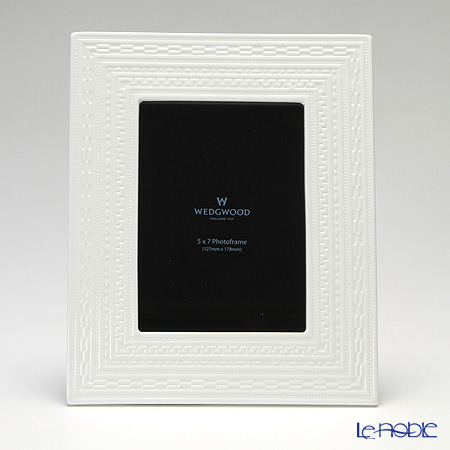 ウェッジウッド(Wedgwood) インタグリオピクチャーフレーム L 27×21cm