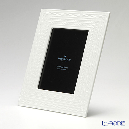 Wedgwood Intaglio Picture Frame L 27 x 21 cm