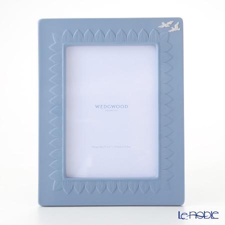 ウェッジウッド(Wedgwood) ジャスパー ペールブルー クラシックピクチャーフレーム 24×18.5cm(窓枠:17×11.5cm)