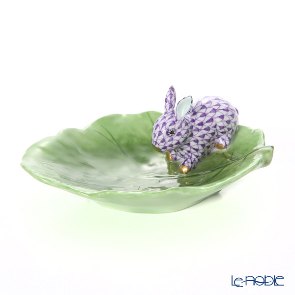 Herend 'Lilac Fish scale / Vieux Herend' VHL+C 05824-0-00 Cabbage Leaf Dish with Figurine - Rabbit 12x9cm