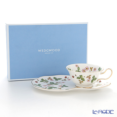 Wedgwood Wild Strawberry Al Fresco Teatime Set