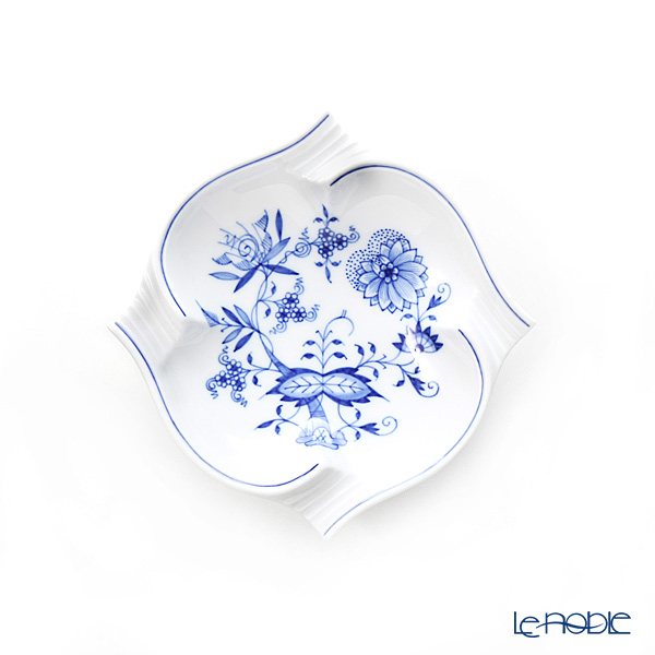 Meissen 'Blue Onion' 800101/53552 Ashtray 15cm