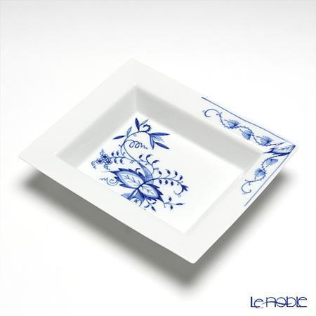 Meissen 'Blue Onion Style' 801001/53269 Rectangular Ashtray 16x13.5cm
