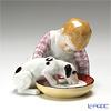 マイセン(Meissen) ヘンチェルの子供シリーズ 900100/73369ミルクを飲む犬と子供