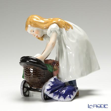 マイセン(Meissen) ヘンチェルの子供シリーズ 900300/73370 少女と乳母車