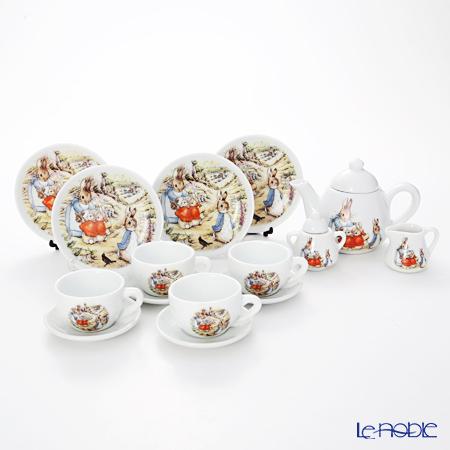 Reutter Porzellan 'Beatrix Potter - Peter Rabbit' 59.580/0 Children Tea set (set of 11 for 4 persons)