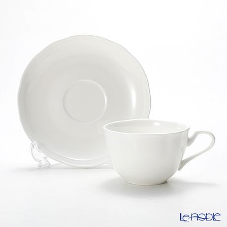 プリモビアンコ 白の器ティーカップ&ソーサー(フラワーシェイプ)