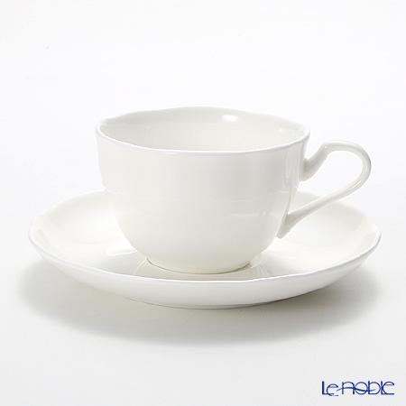 プリモビアンコ 白の器 ティーカップ&ソーサー(フラワーシェイプ)