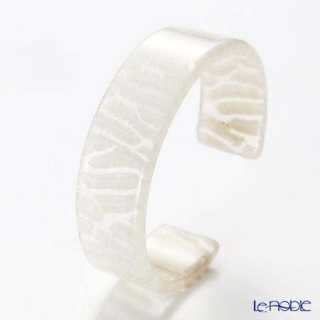 Sabae products: Kisso Dirocca Bangle, 69 White