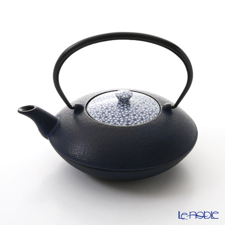 Kyo ware / Kiyomizu ware 'Sometsuke Blue Cherry Flower' T0100 Iron Tea Pot 900ml (L)