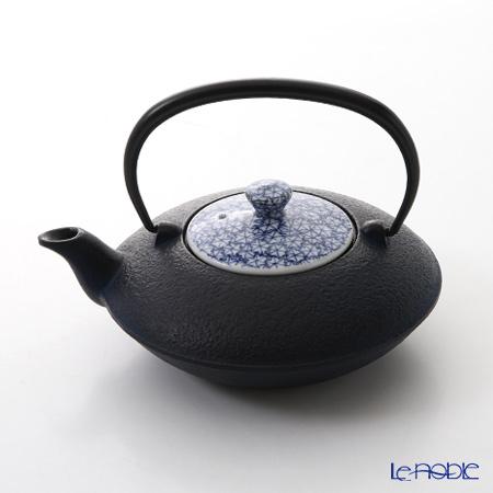T. Nishikawa & Co. Inc - Kyoto ware / Kiyomizu ware  CI Tpot S w/ P Lid, Sometsuke Maple Leaf, T0103