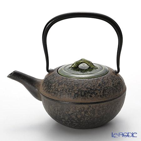T. Nishikawa & Co. Inc - Kyoto ware / Kiyomizu ware  CI Teapot w/ P Lid, Bamboo GR, M0122