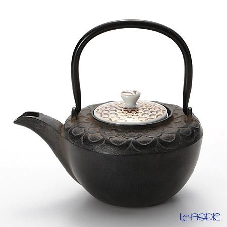 Kyo ware / Kiyomizu ware 'Seigaiha' K0126 Iron Tea Pot Black 500ml