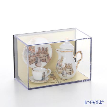 Reutter Porzellan 'Beatrix Potter - Peter Rabbit 150th Anniversary' 55.172/0 Miniature Coffee set