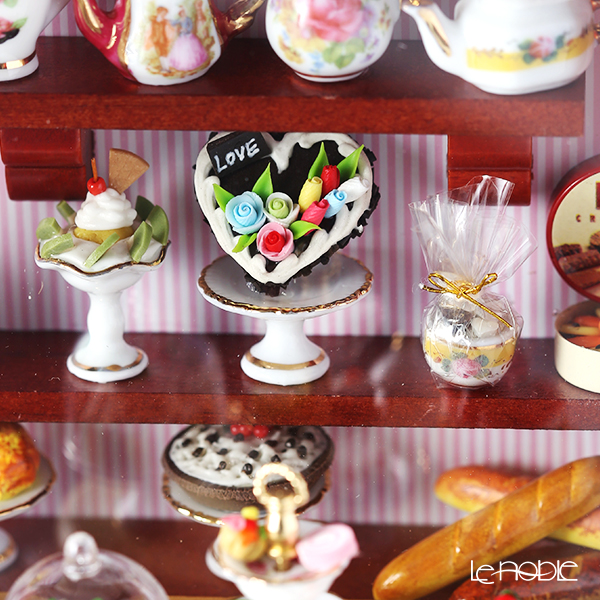 Reutter Porzellan 'Terrace Cafe' 001.794/9 Miniature Dollhouse