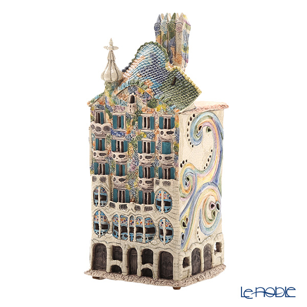 Nordic Lithuanian Pottery Miden MIDENE Candle House Miniature House with Incense Casa Batllo LED candle in Barcelona, Spain E250N
