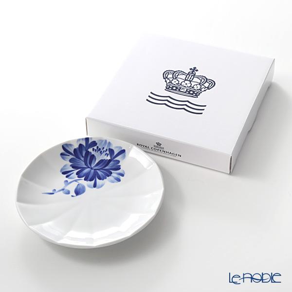 Royal Copenhagen 'Blomst - Camellia' 2903615/1025296 Plate 15cm