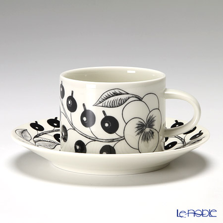 Arabia Black Paratiisi Tea cup 0,28l and saucer 16,5 cm