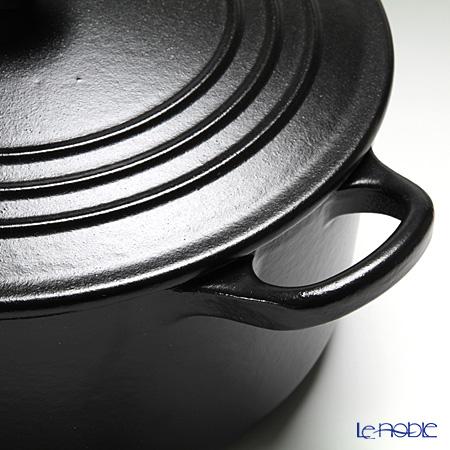 ル・クルーゼ(LeCreuset) ココット・ロンド22cm ブラック