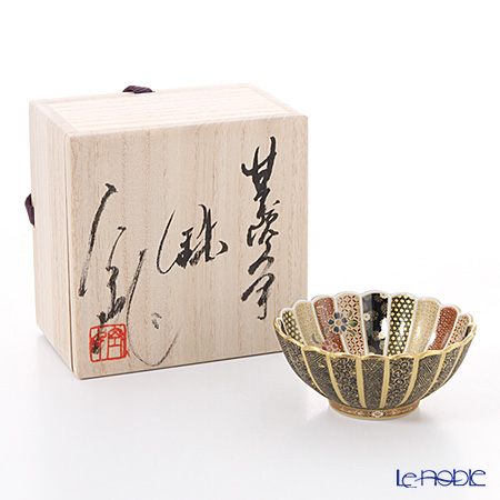 Kyoto Satsuma Bowl (KUNYO style) Sakura motif, Chrysanthemum shape, black color (Traditional handicraft)