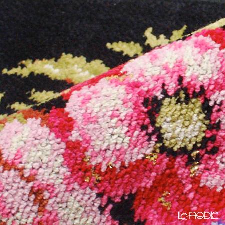 Feiler 'Vienna (Flower)' Black with Gold Thread Hand Towel 30x30cm