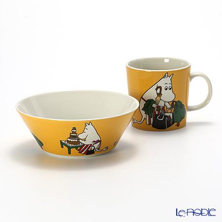 Arabia 'Moomin Classics - Moominmamma' Apricot Yellow 2014 Mug, Bowl (set of 2)