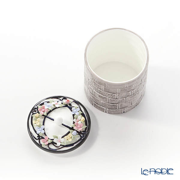 Aynsley 'Chalice Well (Flower)' Cream Jug & Sugar Box (set of 2)
