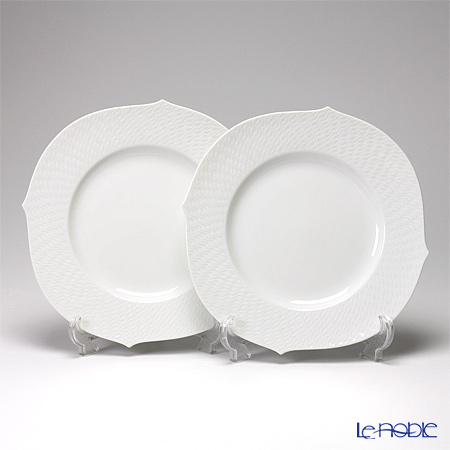 Meissen Waves Relief White 000000 / 29479 28.5 Cm plate pair