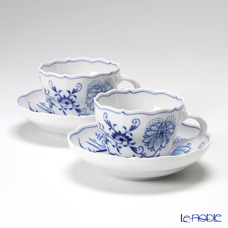 Meissen Blue Onion 800101 / 00582 Coffee Cup & saucer 200cc pair gift box Magzine
