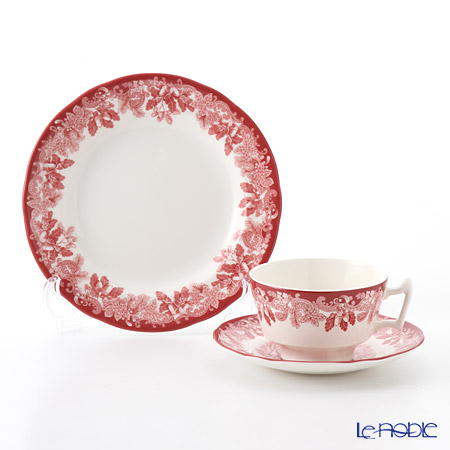 Spode Winter's Scene Plate 20 cm and Tea cup & Saucer