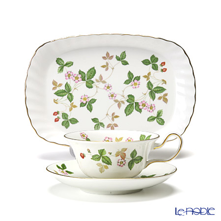 Wedgwood Wild Strawberry Spiral Tray and Peony Teacup & Saucer set